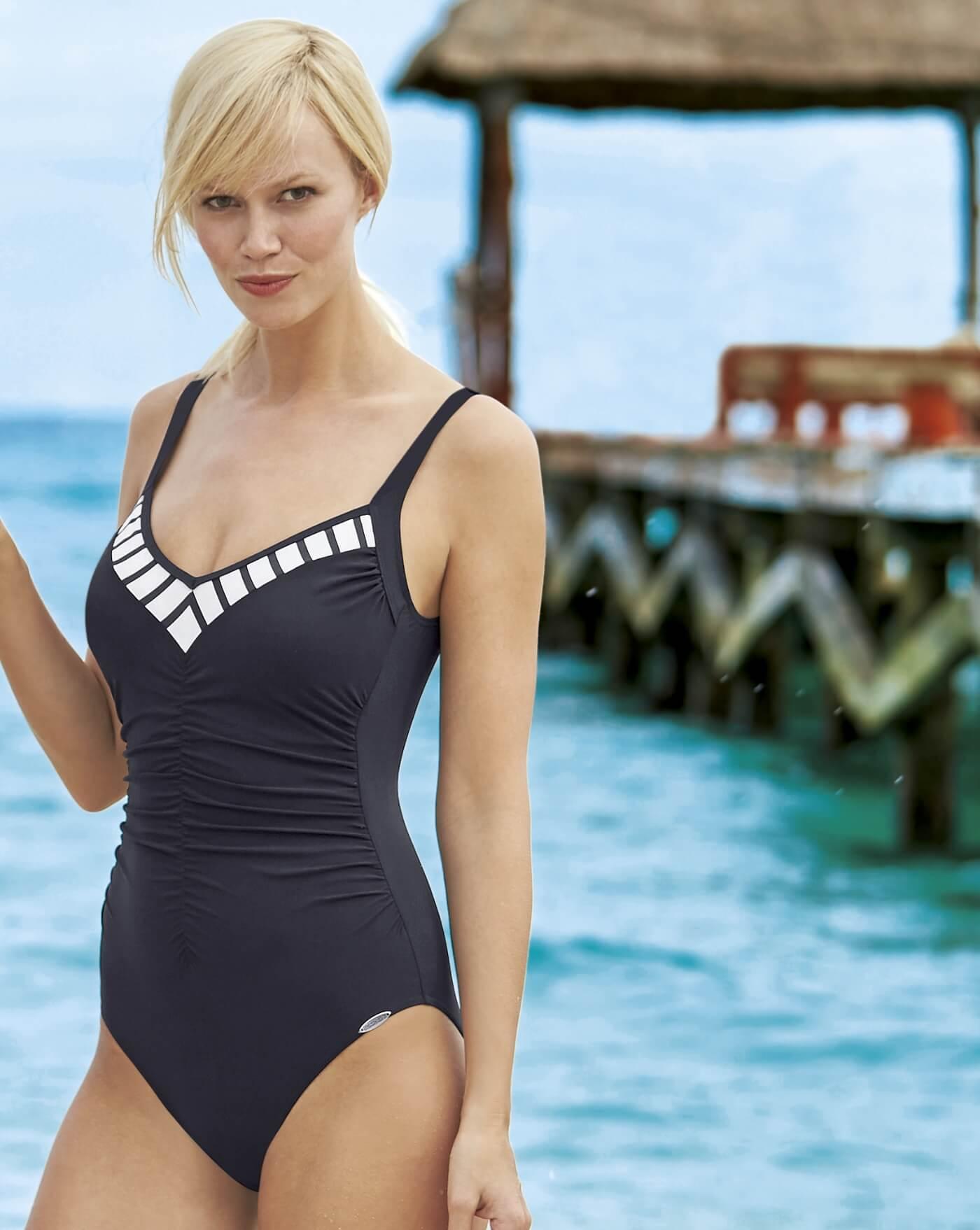 60% Freigabe exquisite handwerkskunst moderne Techniken Sunflair Badeanzug, Marine-Optik